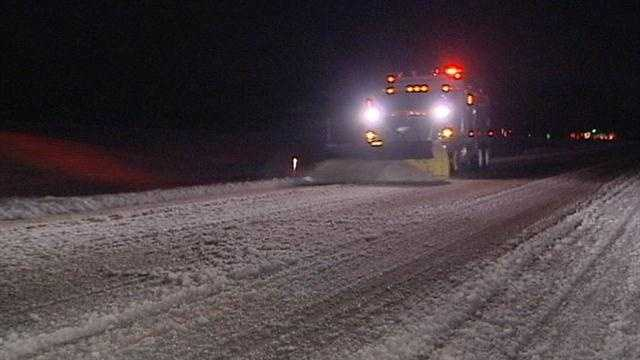 IDOT crews continue to plow