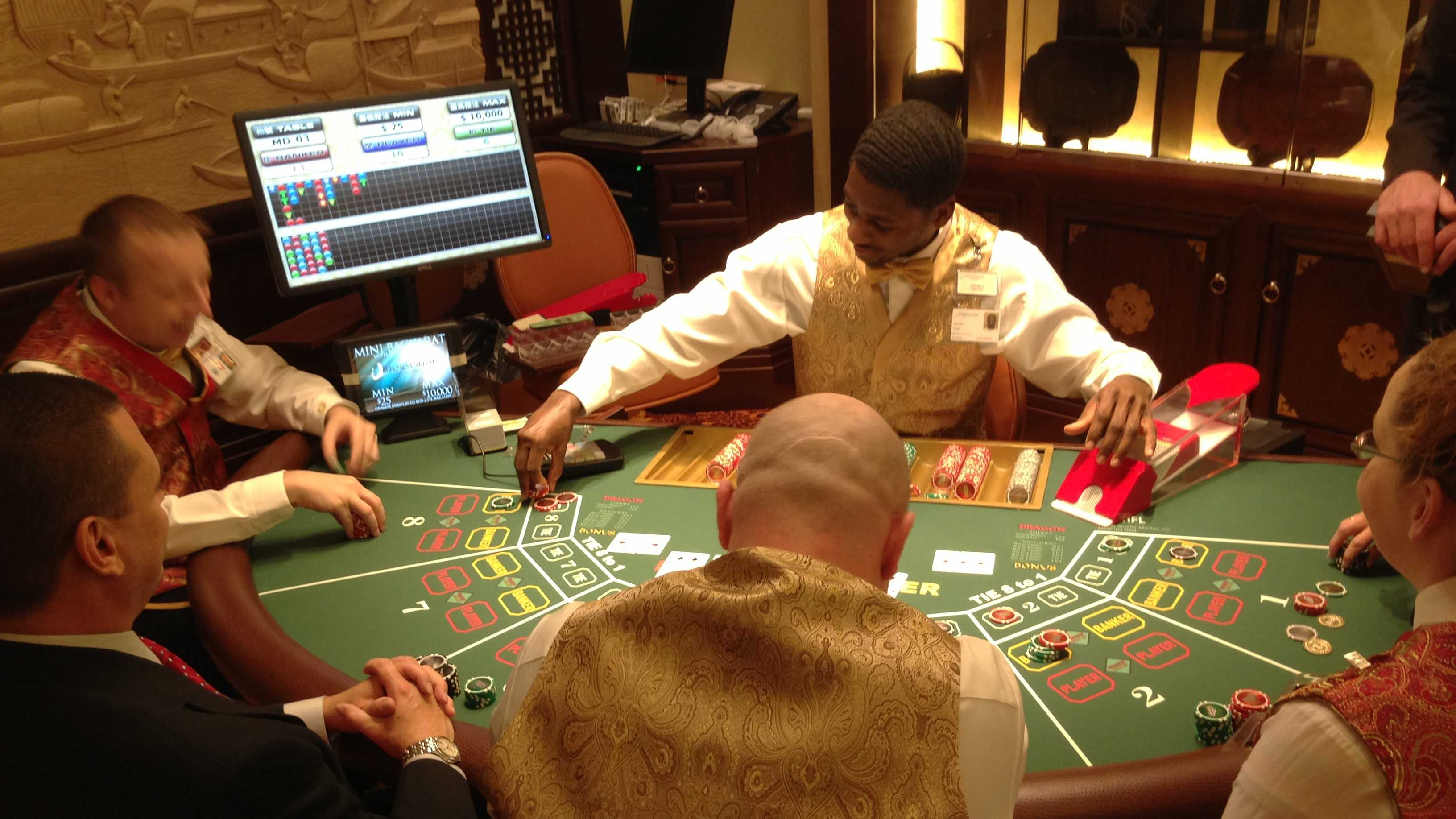 Generic dealer, table, players 2.jpg