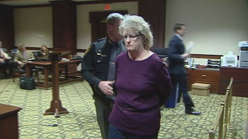 Linda Fite in court.jpg