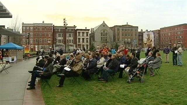 Cincinnati's Washington Park hosted a group of worshippers for Easter Sunday services.
