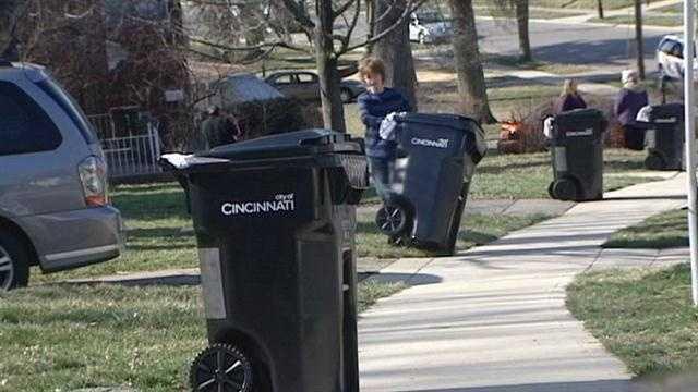 Cincinnati begins rolling out new trash cans
