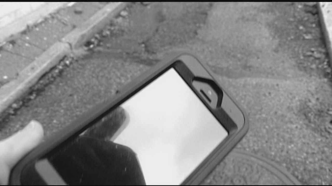 Several cases of stolen cell phones have been reported in downtown Cincinnati and police are warning people to keep their phones close.