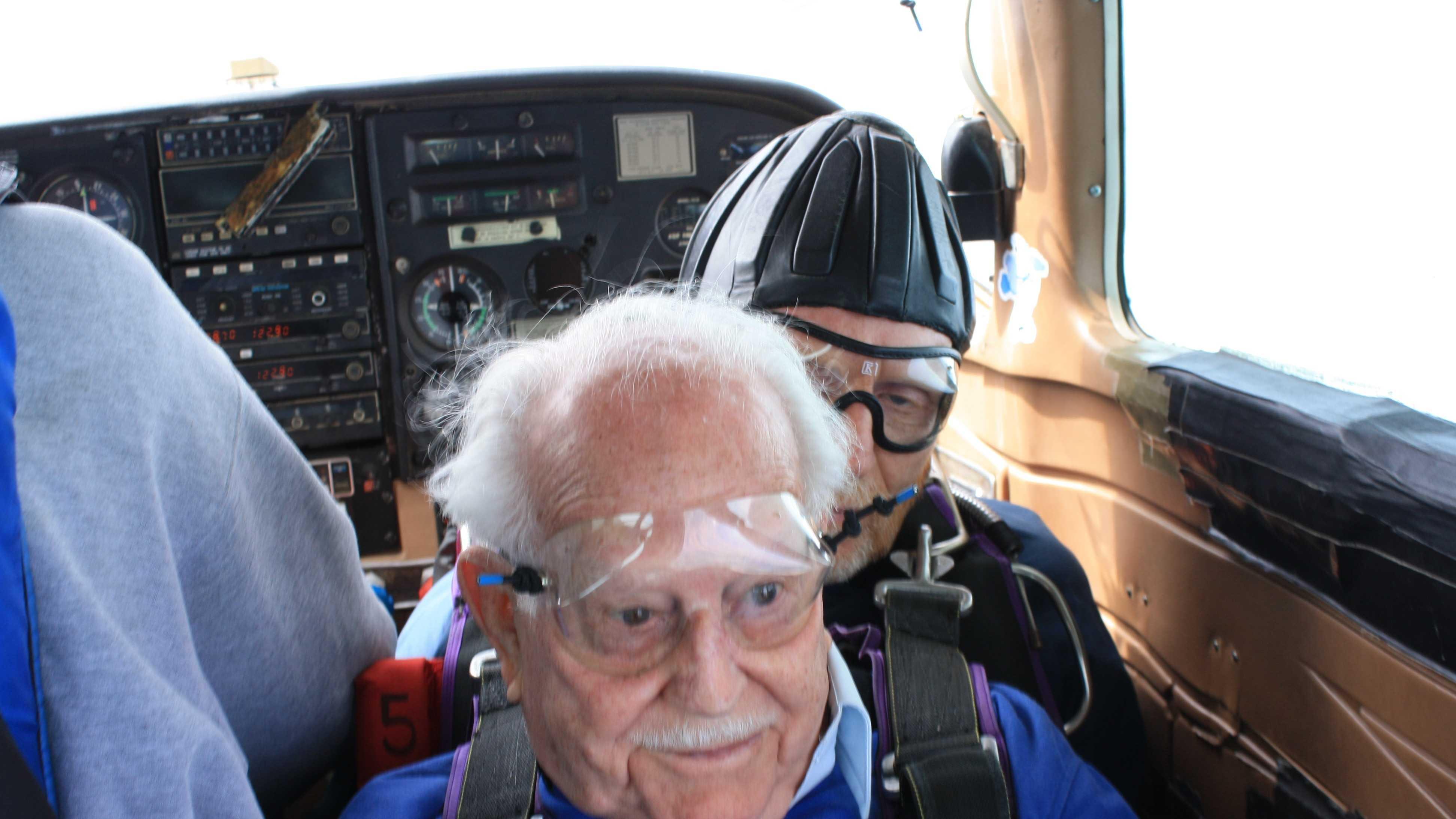 052513 skydiving (13).JPG