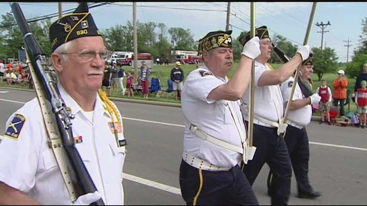 A large crowd turns out to honor military service members who made the ultimate sacrifice.