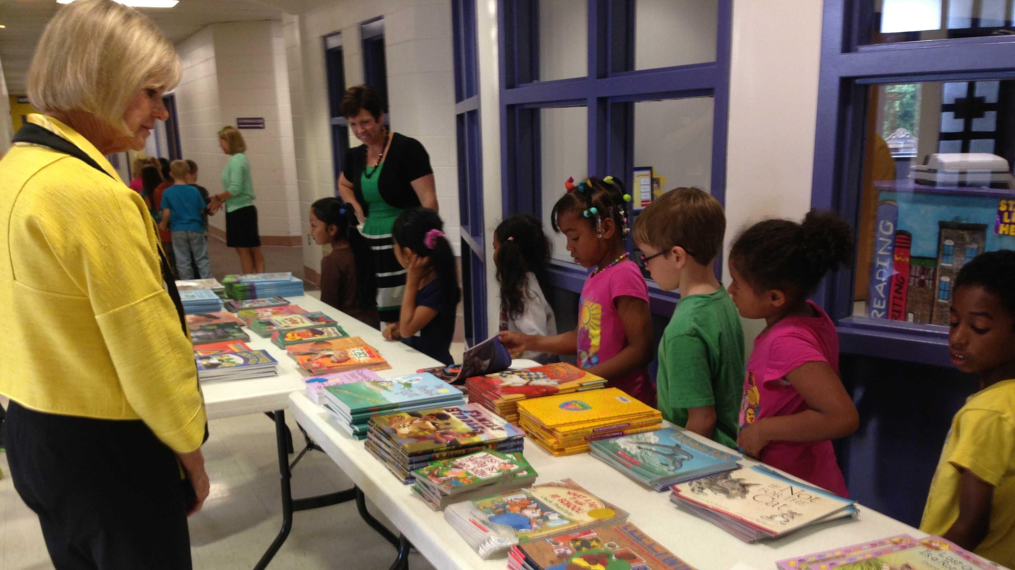 Jane Beshear visits Carlisle Elementary (6).jpg