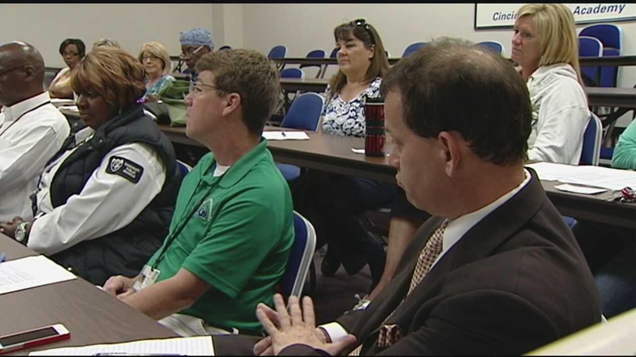 Cincinnati police talk about planning for emergencies to teachers, schools