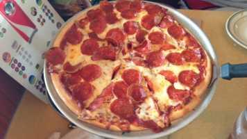 2. Enjoy a pizza at LaRosa's.