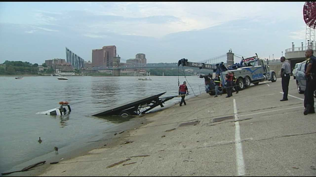Tow truck needs tow out of Ohio River