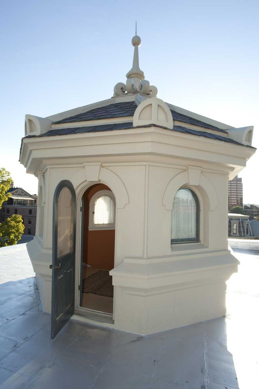 Third Floor, Cupola