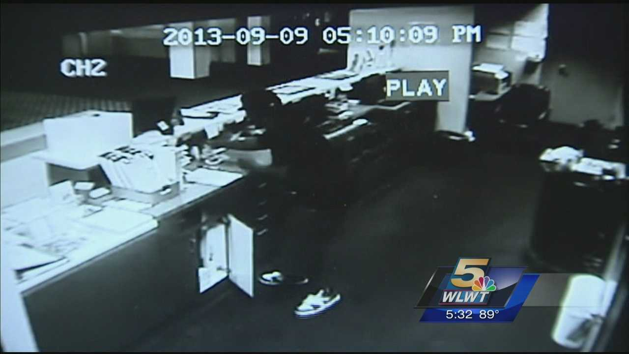 Mason police are looking for a hotel robber who may be responsible for other robberies.