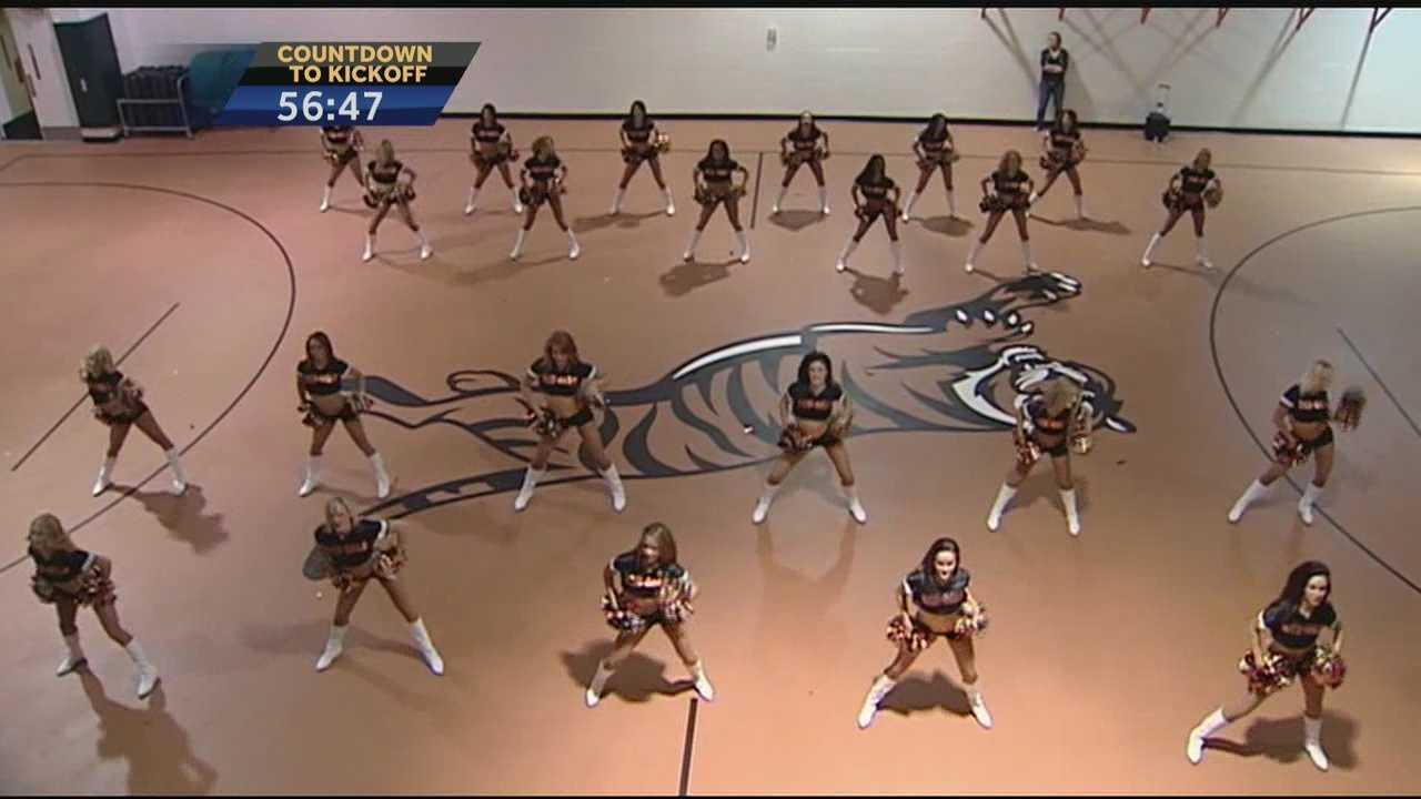 cheerleader pic