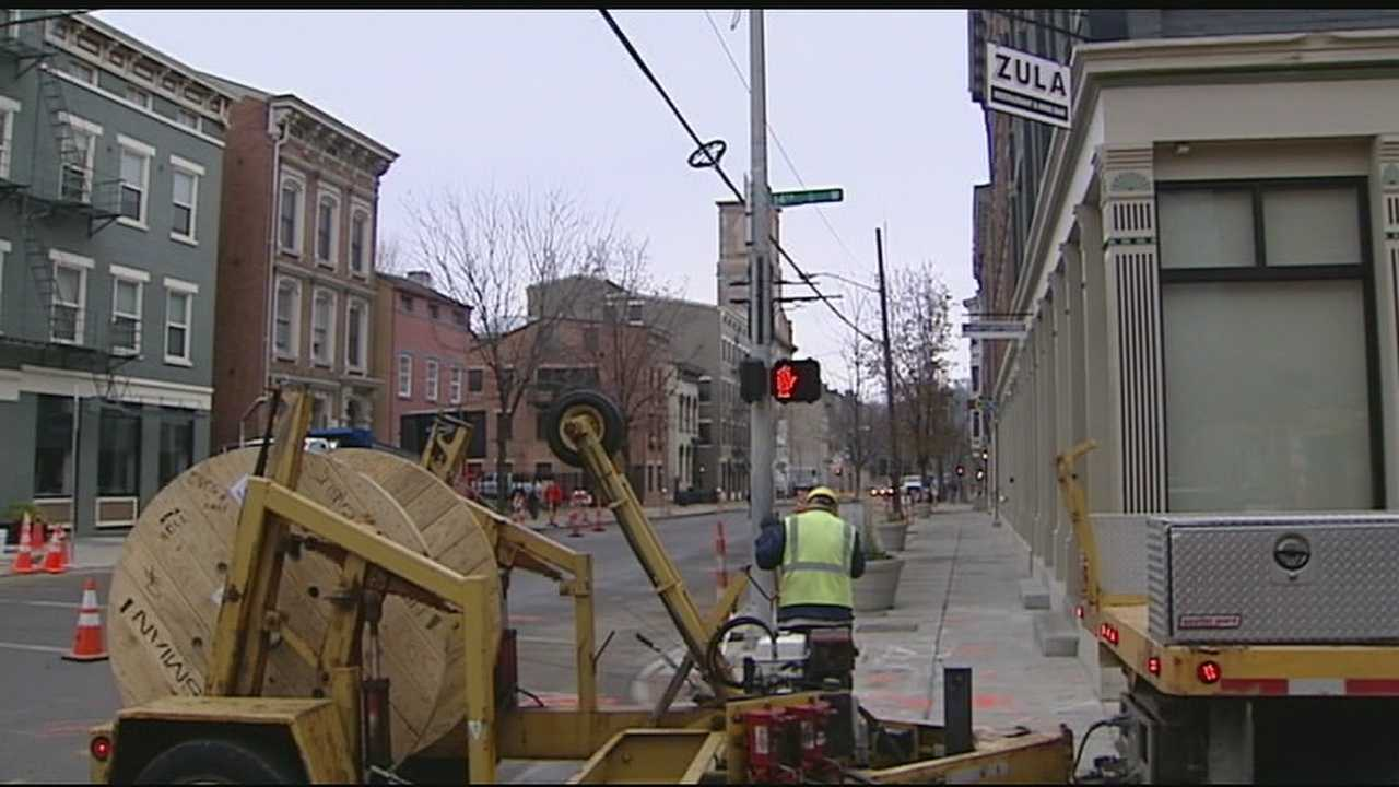 Cincinnati City Council has voted 5-4 to pause the streetcar project.