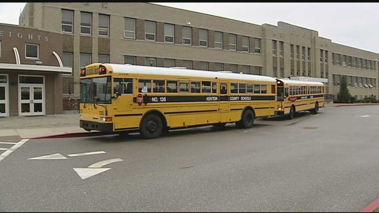 School leaders make tough call of when to cancel school class