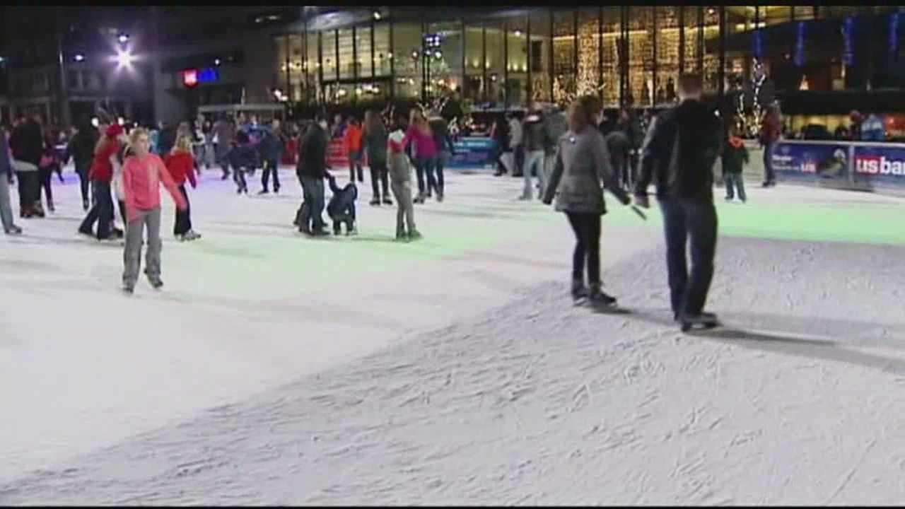 Crowds flock downtown to enjoy warm winter day