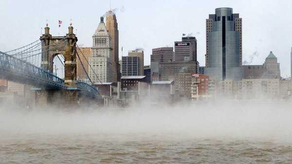 Cold winter weather Ohio River.jpg