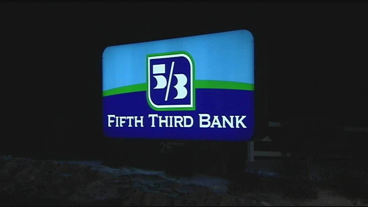 "In a letter received by an unknown number of customers this month, Fifth Third Bank said that it ""inadvertently reported that you had filed for bankruptcy"" to four credit agencies, including Experian, TransUnion and Equifax."