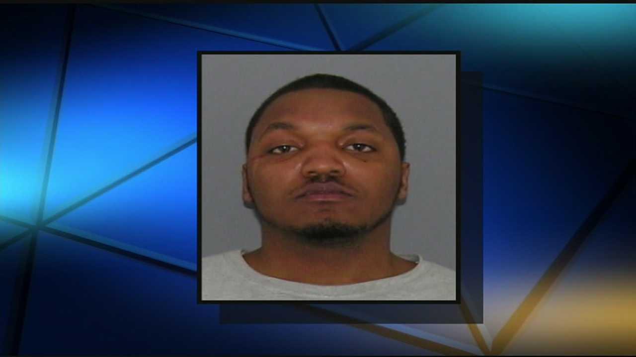 Lockland man robbed at gunpoint Tuesday night