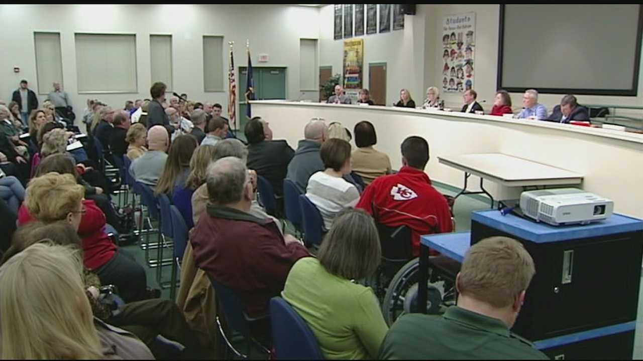 The Boone County school district resumed discussions about arming teachers Thursday night.
