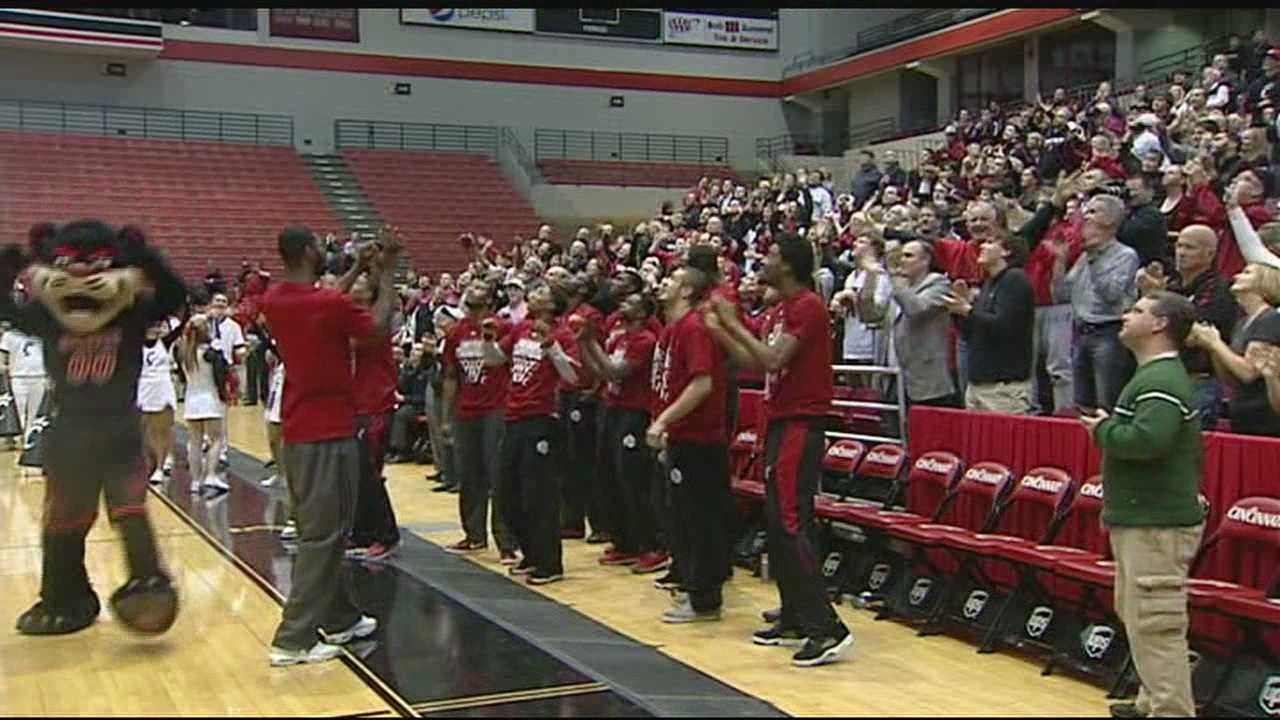 Bearcats fans need big bucks to cheer on UC in person in NCAA tourney