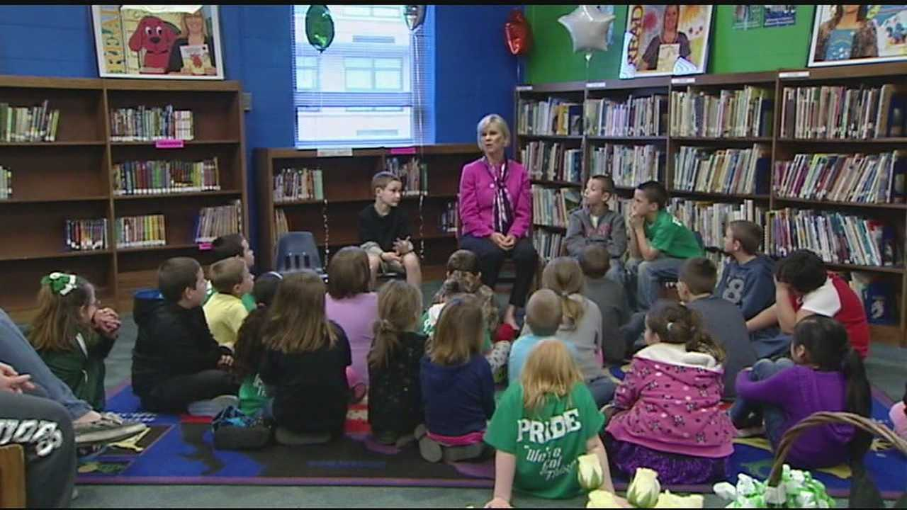 She made a stop at Lincoln Elementary to encourage students, faculty and staff to keep focusing on reading.