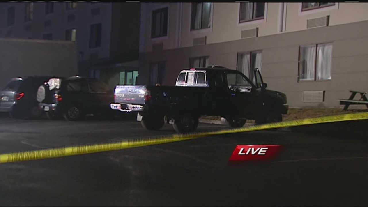Contractor shot outside Springdale hotel