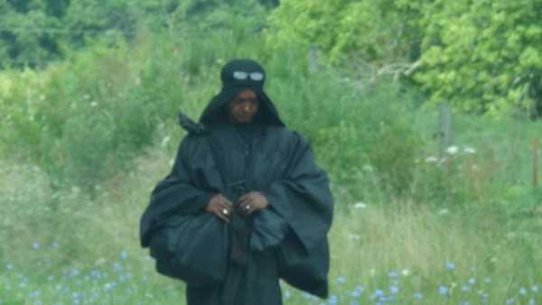 woman in black in ohio (9).jpg