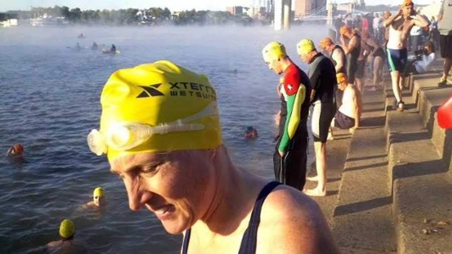 Great Ohio River Swim September 28Cincinnati's Serpentine Wall @ 8:00 a.m.Maybe this sounds like an exciting challenge or maybe you wouldn't dare even dip your pinky toe in that river. Either way, it will be a site to see! Watch over 120 people take the plunge. Organizers assure that the river is cleaner than people think!For more info, click here