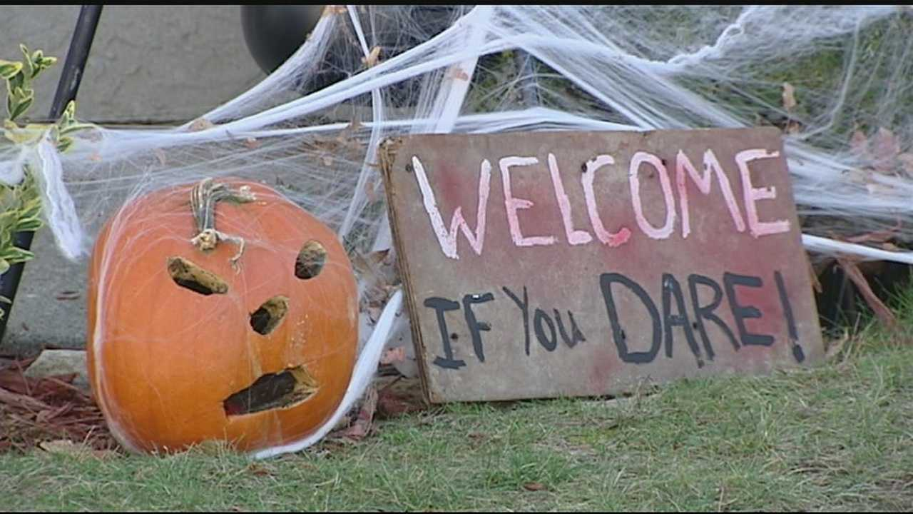 Halloween can be a perfect recipe for accidents. Kids are out around nightfall, often wearing dark costumes or maybe a mask that blocks their vision, and excitedly going door to door. Nothing will ruin your evening of fun faster than an accident. We have some reminders to help keep your kids safe.