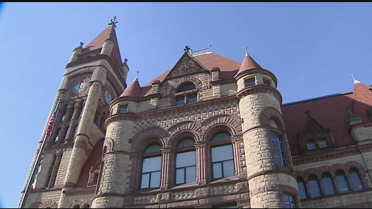 On a limited scale, there is already some sharing of services going on between the city of Cincinnati and Hamilton County. But both city and county leaders said they are going after bigger fish.