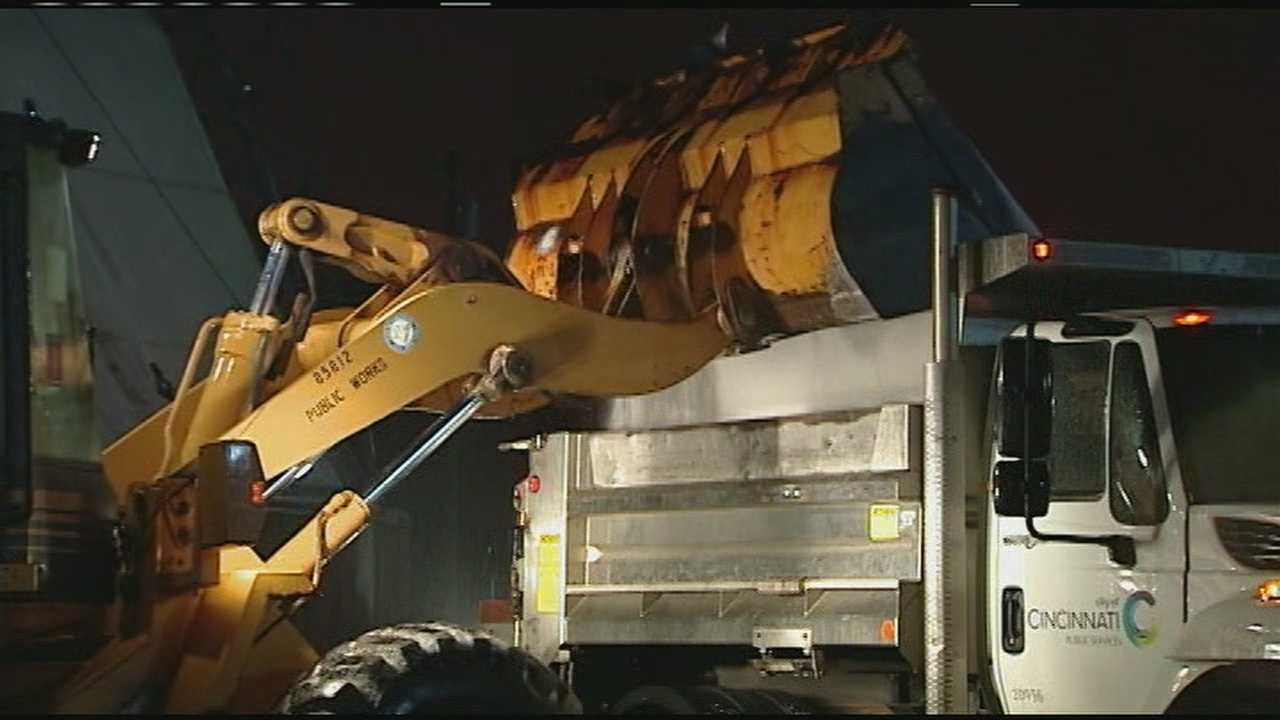 Road and emergency crews spent Sunday preparing for the winter weather that is set to move through the Tri-State Sunday night.