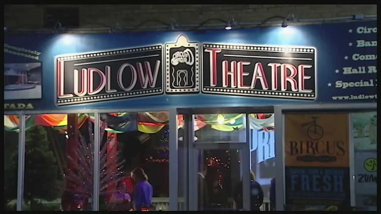 "The Ludlow Theatre hasn't played a movie for a quarter of a century. That was the case until Saturday night when Gorilla Cinemas put on a show of ""It's a Wonderful Life."""