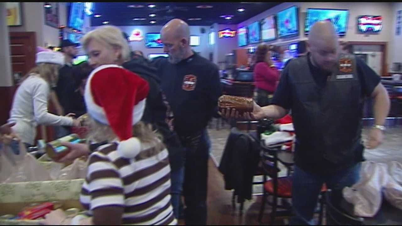 Santa had some special elves helping out neighbors in need on Sunday. The Claryville Riders United and social club collected and packed meals to spread some holiday cheer.