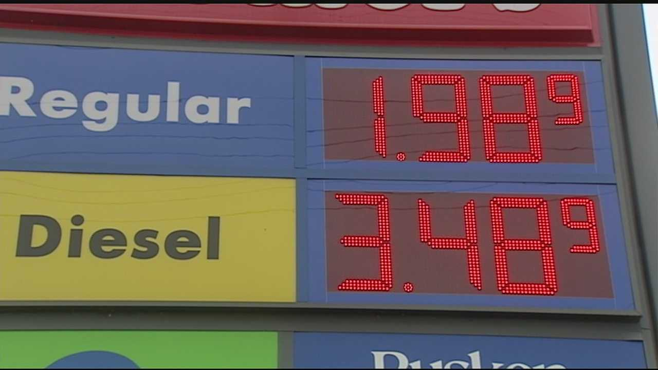 Holiday travel gets boost from gas prices, but weather may impact flights Wednesday