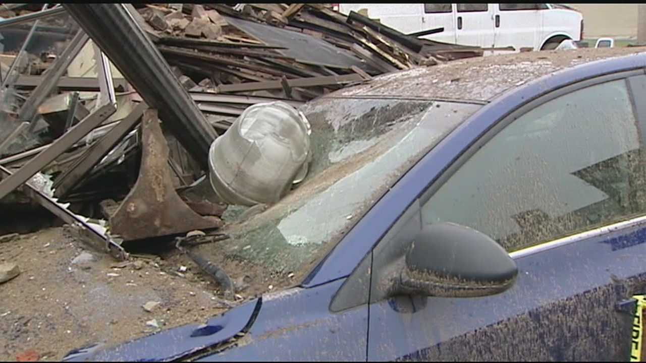 As a building downtown collapsed Saturday night one man had a scary experience as he saw it fall. Matt Zeis was parked in his car when the walls of the building on West Court Street began to fall.