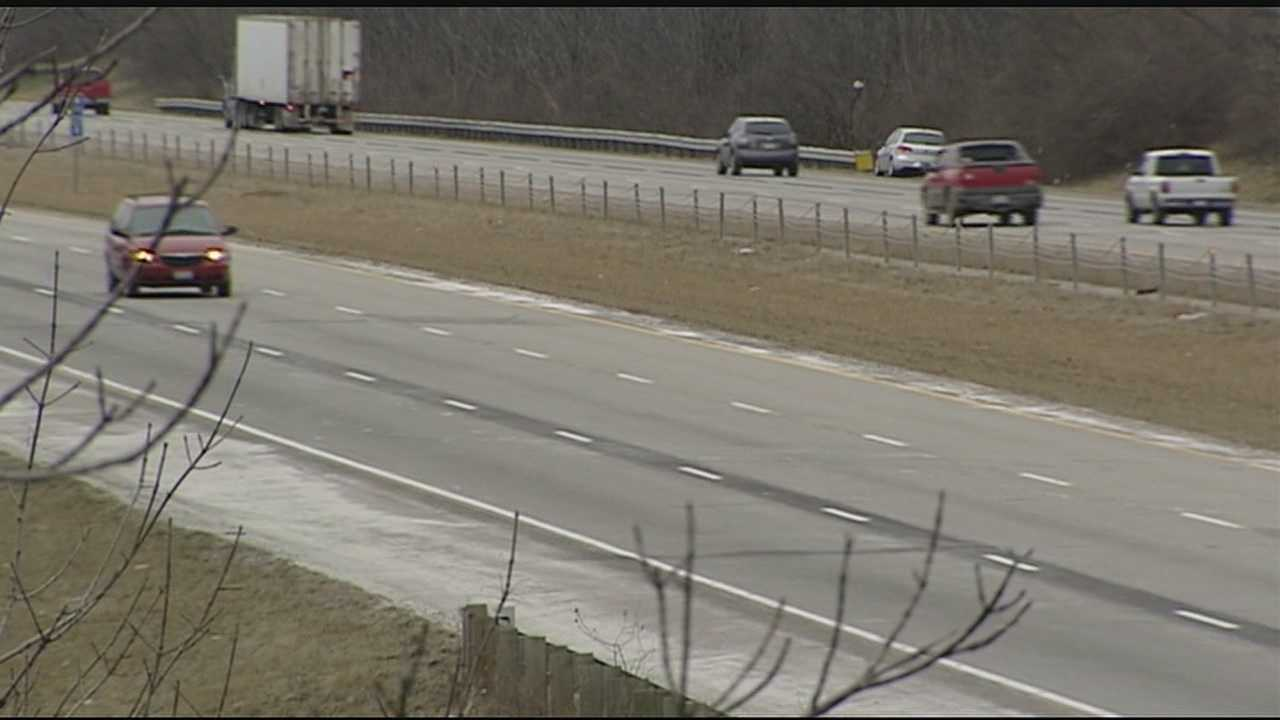 The Kentucky Transportation Cabinet will start building seven miles of cable barriers on Interstate 71 in Boone County between mile markers 70 and 77 near Verona.