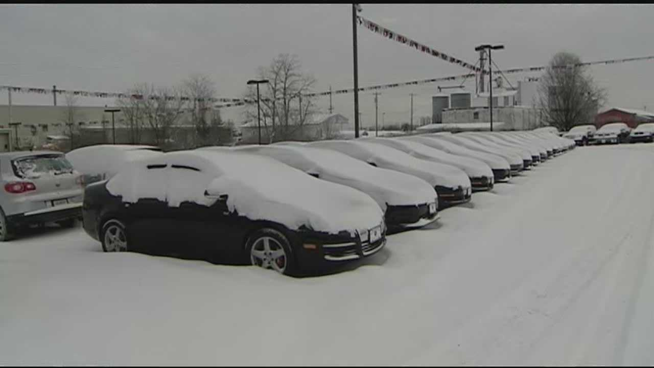 Kentucky Governor Steve Beshear issued a statewide state of emergency Monday after widespread cold and snow hit the state.