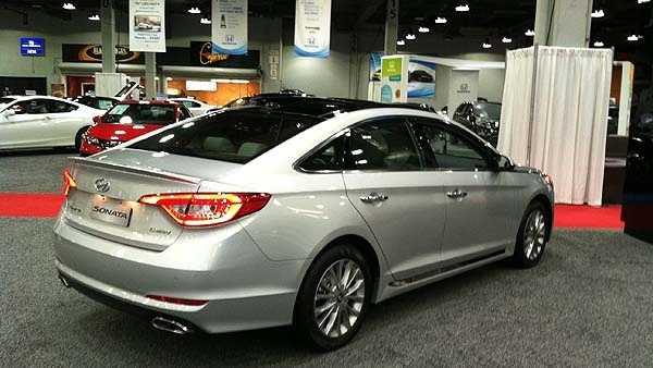 Cincinnati Auto Show Goes On Snow Or Shine - Car show in cincinnati this weekend