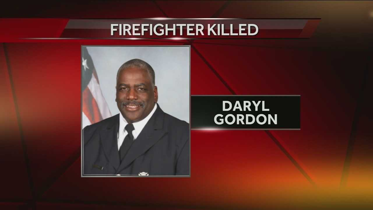 State and local authorities in Ohio are investigating the cause of a blaze that led to the death of veteran Cincinnati firefighter Daryl Gordon