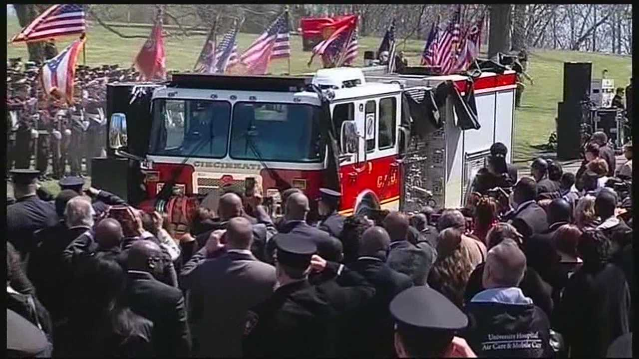 Fire apparatus operator Daryl Gordon was laid to rest Wednesday at the Oak Hill Cemetery.