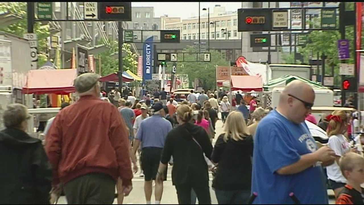 Food fans descend on downtown for 2015 Taste of Cincinnati