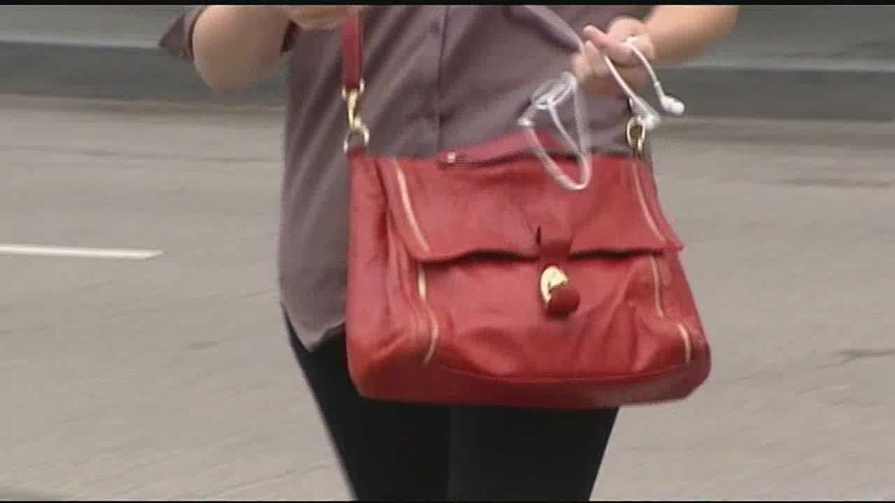 Cincinnati police said big crowds make it easier for identity thieves.