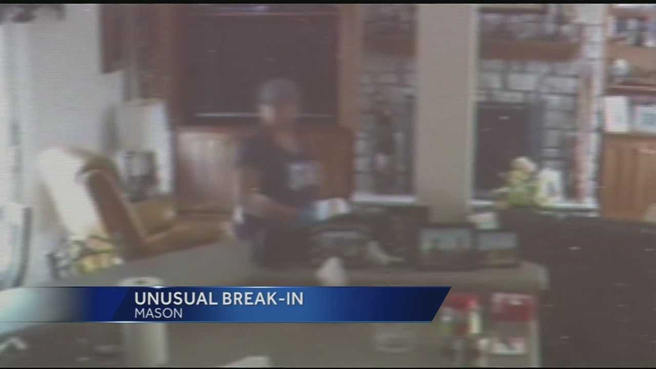 Mason police are investigating after a video caught two thieves breaking into a house.Police said the two thieves were caught on video but the piece of evidence they left behind could end their time on the run.