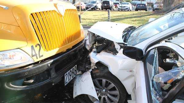Montgomery school bus crash, 111315
