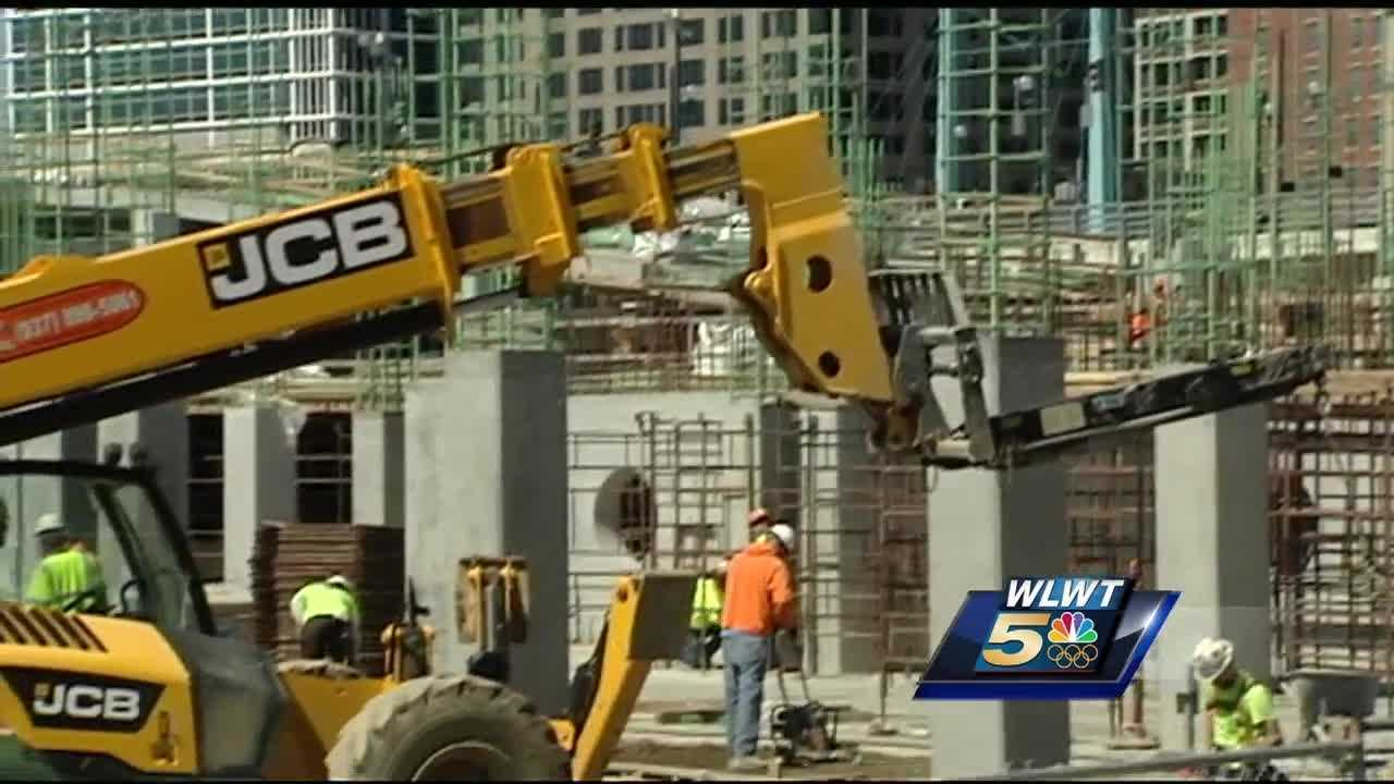 The effort would tighten several aspects of the industry in the city and has the support of a construction contractor who heads the largest construction crane business in the country.