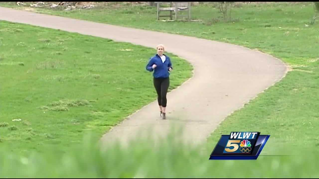 Woman decides to run Flying Pig to honor her aunt who died from a heart attack while running.