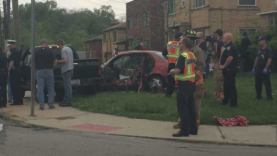 Police have responded to a 4-car crash on Westwood Northern Boulevard in Cincinnati.