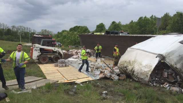 A tractor trailer overturned on Interstate 71/75 in Kentucky Sunday, snarling traffic for hours.