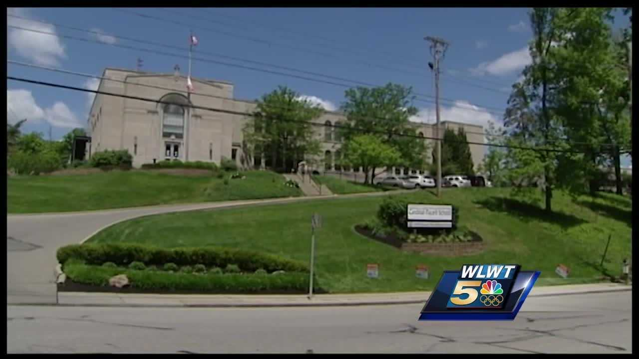 ?Schools in the Hyde Park area are telling parents to be on high alert after a father said a man exposed himself to two grade-school students.