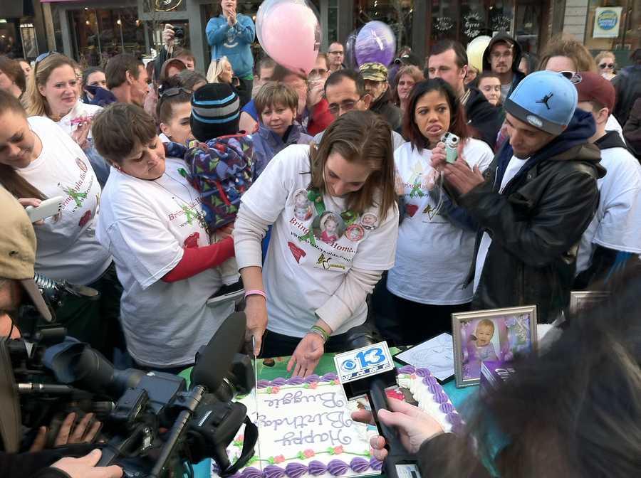Her mother, Trista Reynolds, cut a birthday cake.