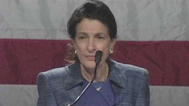 Olympia Snowe addresses her fellow Republicans for the last time as a United States Senator. News 8's Erin Ovalle reports.